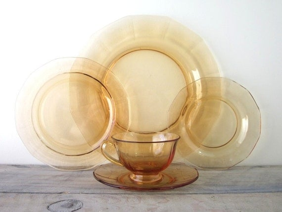 Depression Glass 5 Piece Place Setting in Tangerine Orange Amber Glass
