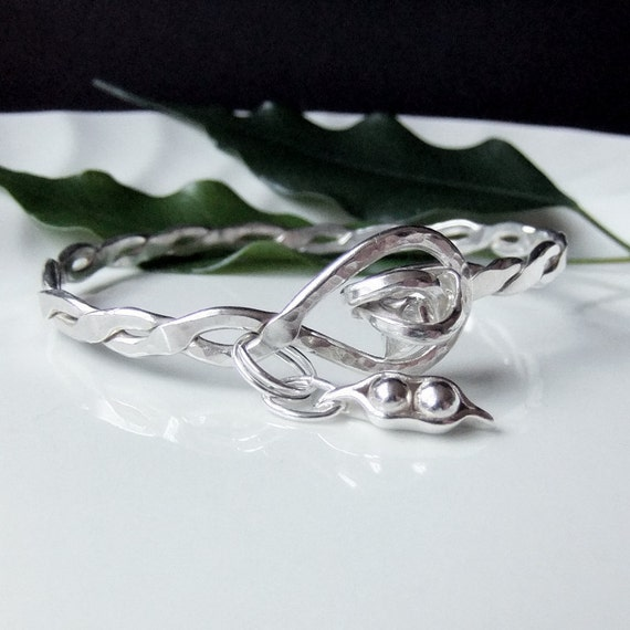 Pea Pod Bracelet, Sterling Twisted Bracelet, Two Peas in a Pod Bracelet, 7 1/2 inches