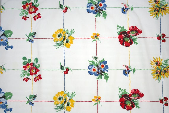 Summery 1950s tablecloth with flowers and berries