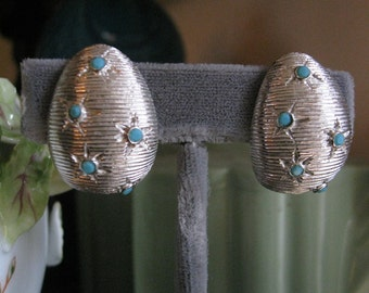 CASTLECLIFF Turquoise Star and Silver Vintage Clip On Earrings