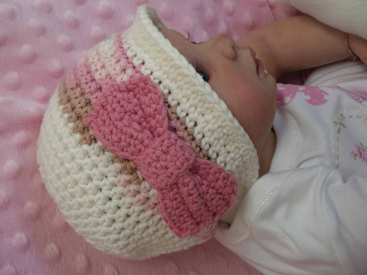 Baby Crochet Hat Pattern Autumn Cloche With A Bow Crochet