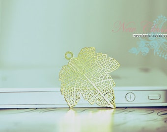 10pcs Brass Maple Leaf  Stamping Charms Gold Plated-10521