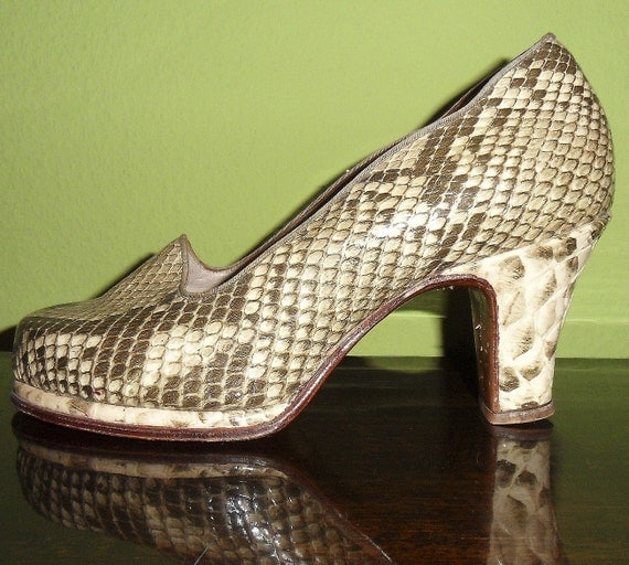 Fabulous 1940s Snakeskin Python Plateau Pumps from Germany NOS