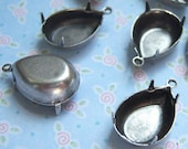 4 -Antiqued silver plated 18x13mm pear rhinestone settings -CM200