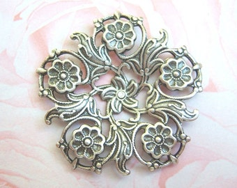 Antiqued  silver plated filigree flower setting, lot of (1)  - AP151