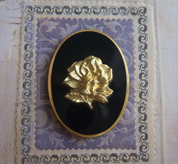 Vintage glass cameo with gold rose, 40x30mm