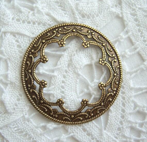 2 - Antique brass round ornate stampings - BG166