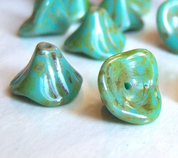 Czech three petal turquoise Picasso bell flower 10/12mm lot of (12) - FG108