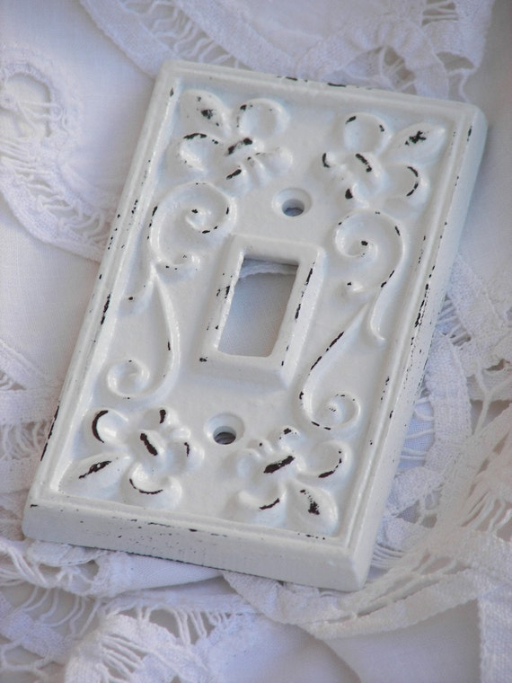 Single Light Switchplate Outlet Cover, Cast Iron, White, Shabby Chic