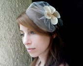 ON SALE Bridal veil hair accessory, sweet veil head piece with a satin flower