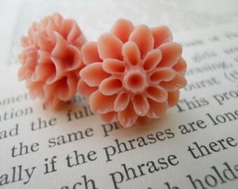 Pretty Blossoms in Peachy Mauve