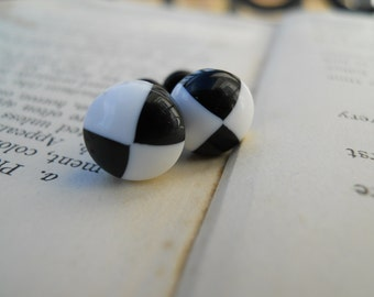 Gauges-Plugs-Vintage Cabochons-Striped-Black and White-6g