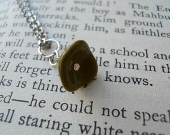 Belle Flower Olive Czech Glass Necklace