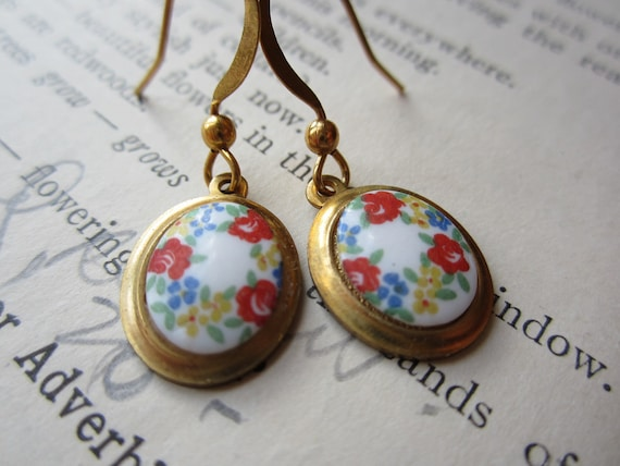 Vintage Cabochon Flower Earrings