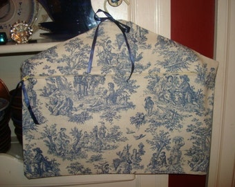 Closet Safe Secret Pocket Hanger-Blue Toile