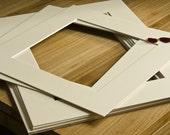 Mat, Passe partout, Ivory. Rectangular. 11.8 x 15.75 in (30 x 40 cm).
