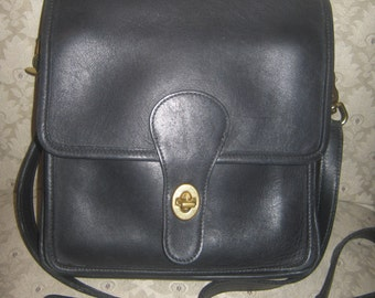 Vintage Coach 5130 Black Leather Station Bag Handbag Shoulderbag Crossbody Purse Retro Rustic Preppy/ Free Handbag Dust Cover Included