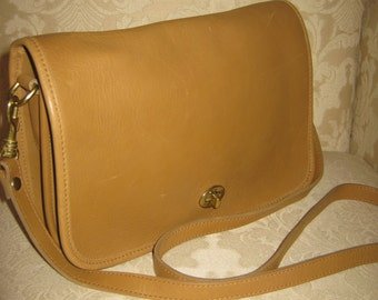 Vintage Hunt Club Beige Leather Shoulderbag Retro 80s Preppy Stylish Traditional Rustic Chic Purse Handbag