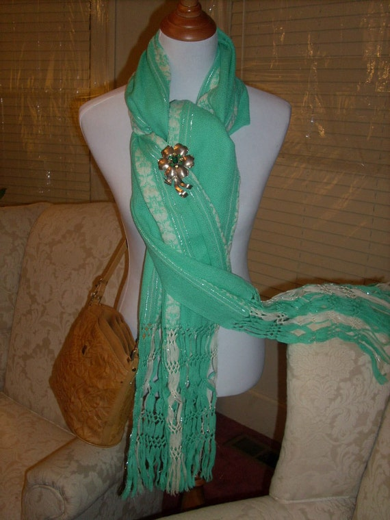 Vintage Winter Scarf Wool Blend Pastel Green/White Delicate Soft Feminine Beautiful Fresh Color