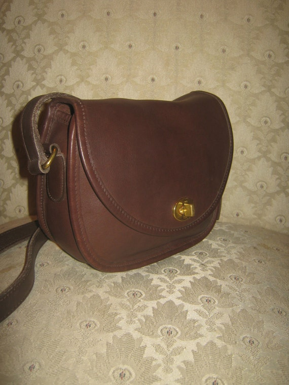 Coach Watson Style Brown Leather Shoulderbag Chic Preppy Stylish Crossbody Style Fashionable Super Cute/Nice Fall Color