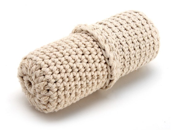 Patada - Crocheted Cotton Kicker Toy for Cats