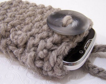Gray Chunky Knit Phone Sleeve, Gray knit Case, Knit Grey Phone Case, Chunky Knit Gray Phone Sleeve, Knit Phone Cozy, Knit Phone Sock Gray