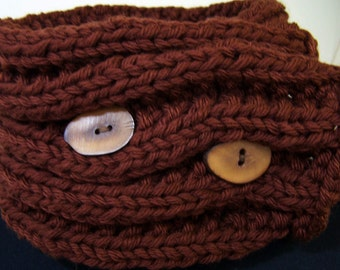 Chunky Knit Short Scarf with Buttons, Chunky Knit Cowl,Knit Neckwarmer Scarf, Brown Ribbed Button Scarf, Men's Wool Scarf , Winter Trends