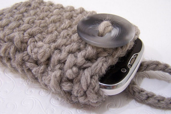 Chunky Knit Phone Sleeve, Gray knit Case, Knit Grey IPhone, Knit Galaxy Sleeve, Knit Phone Cozy, Knit Phone Sock in Gray, Back to School