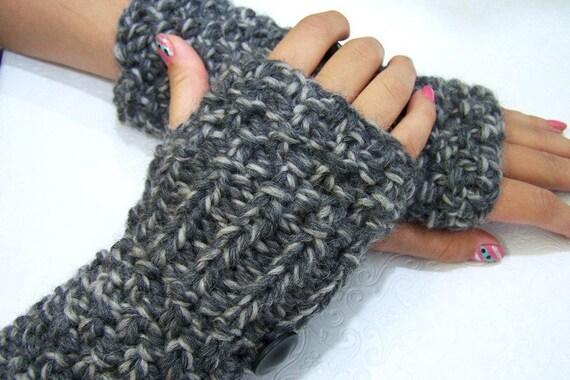 Chunky Knit Fingerless  Mittens Gray Tweed Wool