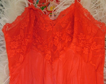 Vintage red lace 34b slip nightgown lingerie honeymoon pin up girl valentines delight