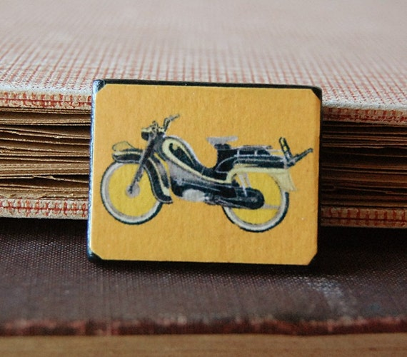 Mods Rule Orange Wood Pin Brooch with Vintage Illustration of Motorbike Scooter.