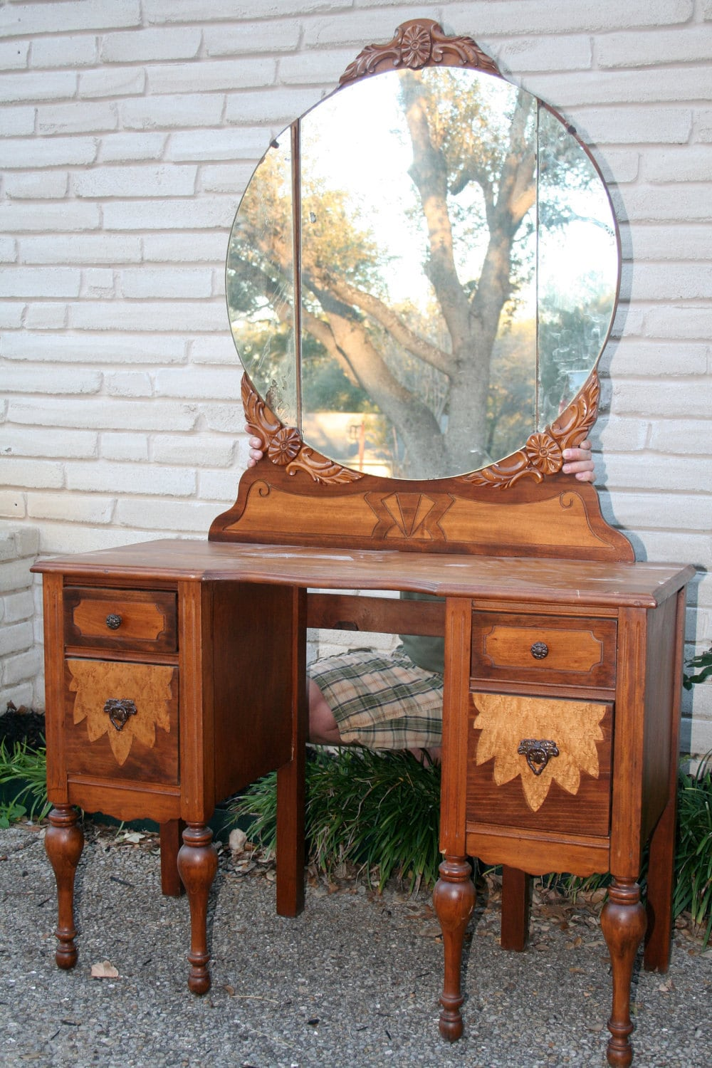Antique Vanity Table The Hunnam Married