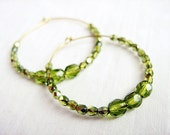 Verde hoop earrings - Czech crystal beads