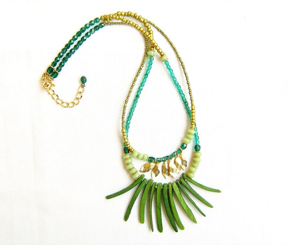 Amazonia Tribal Necklace in green and gold
