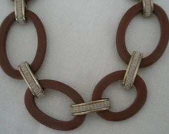 Vintage Ellen Tracy Large Toggle Necklace