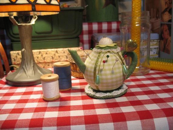 Gingham Teapot Pincushion