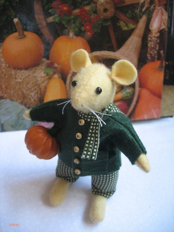 Wilfred inspired by the enchanting stories of Brambly Hedge  Oh he is so cute and very lifelike   Reserved for Olga not for sale