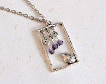Bird with crystal necklace (N115)