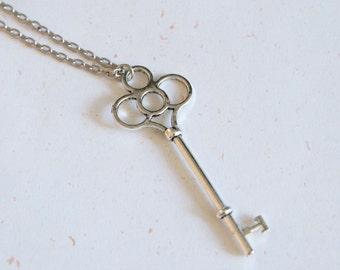Vintage Look Key Necklace in vintage silver color
