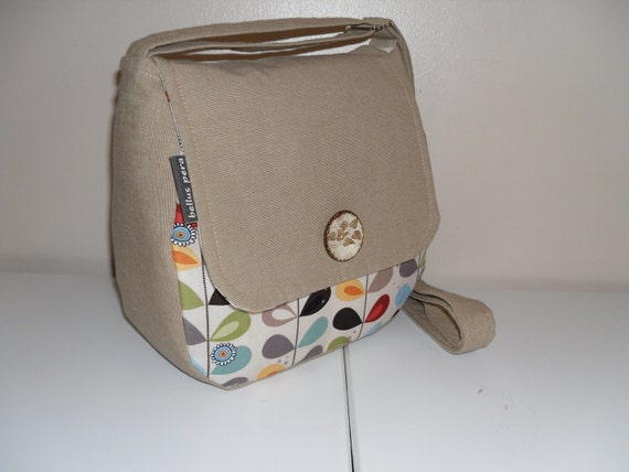 messenger style bag with lots of pockets. Black Bedroom Furniture Sets. Home Design Ideas