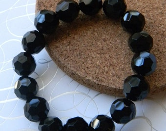Jet black bracelet Chunky Stretchy Bracelet  Black faceted glass beads Fashion Stacking bracelet