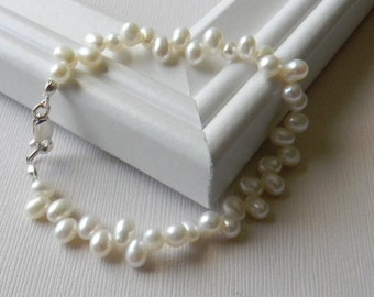 White Pearl Wedding Bracelet Bridal Bracelet  Mother of the Bride Mother's Day Gift