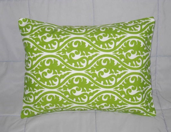 damask accents in green - photo #6