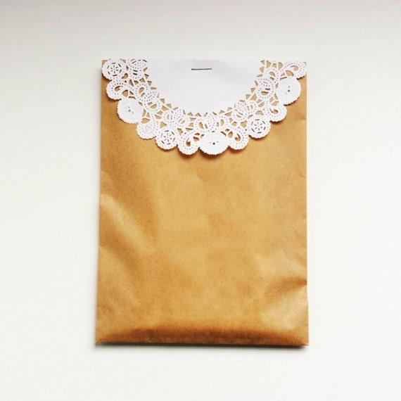 Kraft Bags and Doilies - Set of 10