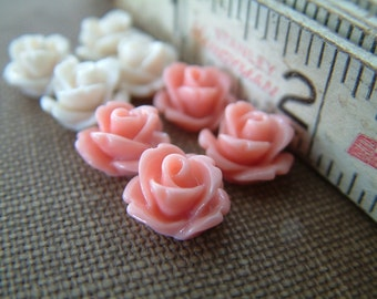 Blush - Sample Pack Off White and Peach - 8 Tiny Rose Flower Flat Back Plastic Cabochons - 10mm