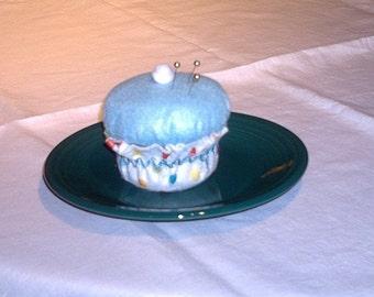 Sweet Cupcake Pincushion with a Twist