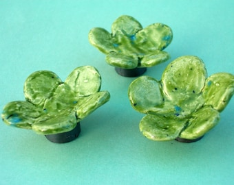 Green ceramic flower magnets - set of 3