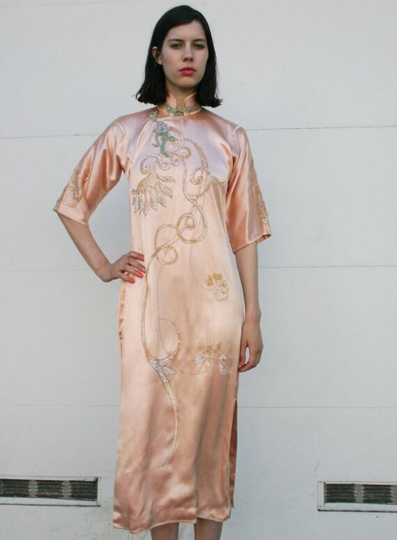 Vintage 1960's Peach Silk Sequined Cheongsam Mandarin Dress XS/S
