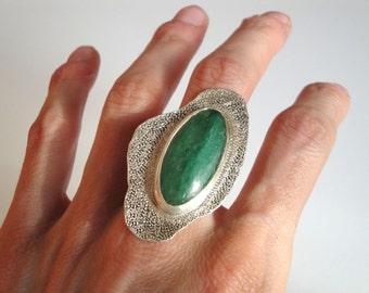 sterling silver stone ring, light dark green oval aventurine big stone ring, gemstone ring, natural stone ring
