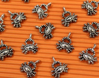 8 pcs - Antique Silver - Little Crab Charm Pendant Beads - 15mm x17mm